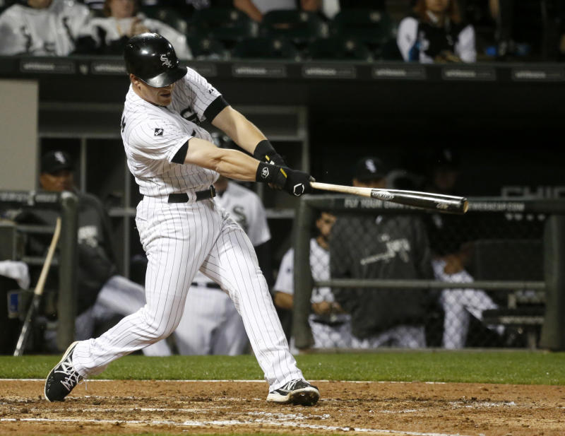 White Sox top Indians 2-1 in rain-delayed marathon