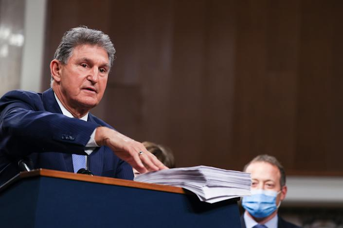 Sen. Joe Manchin (D-W.Va.) wanted to keep unemployment benefits at their current $300 per week in addition to ending them in July instead of August, but Democratic leaders did not concede to those demands. (Photo: Tasos Katopodis via Getty Images)