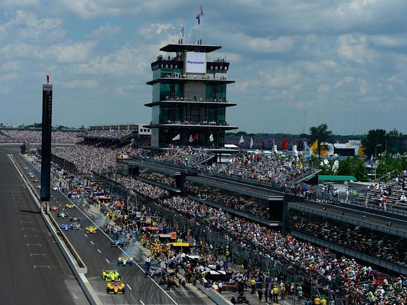 Last year's race under way at the Indianapolis Motorspeedway (Getty)