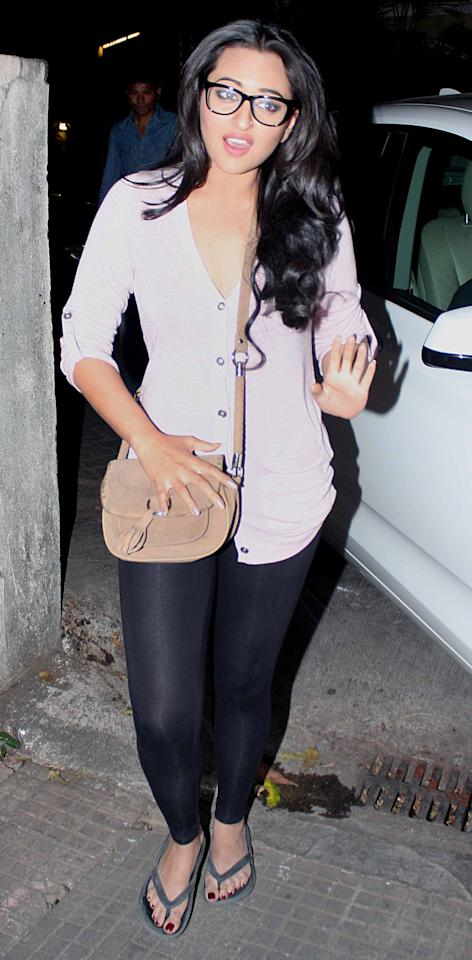 Sonakshi's giving her 'don't-mess'with-me' look.