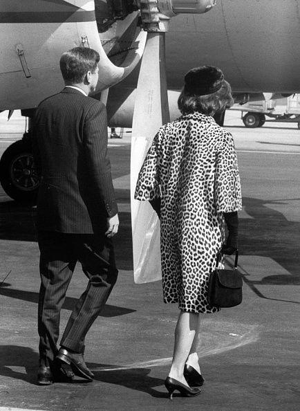 <p>President Kennedy and First Lady Jacqueline saying their goodbyes to one another before her trip to India and Pakistan.</p>
