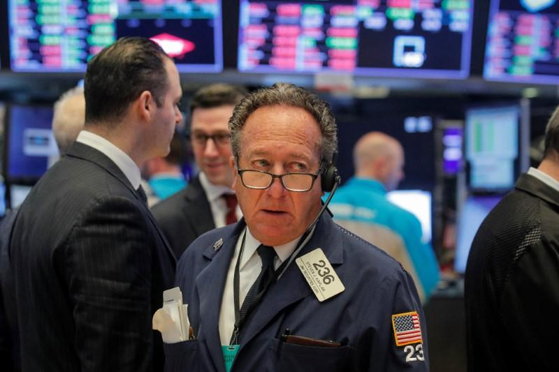 S&P 500 gains, Nasdaq hits new high as investors eye earnings, coronavirus