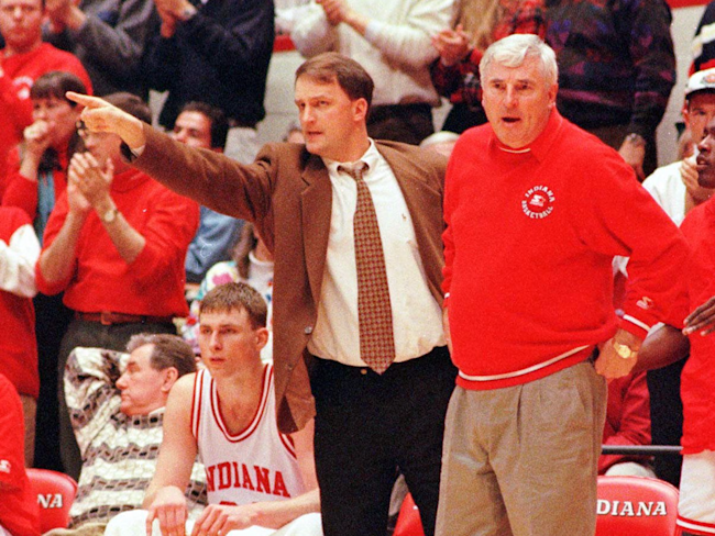 Dan Dakich (left, pointing) and Bob Knight.