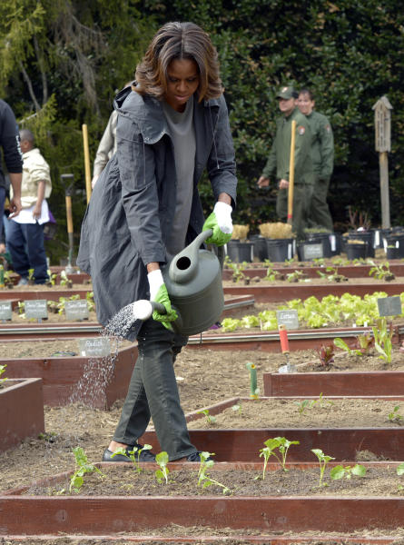 First Lady Plants White House Garden For Spring