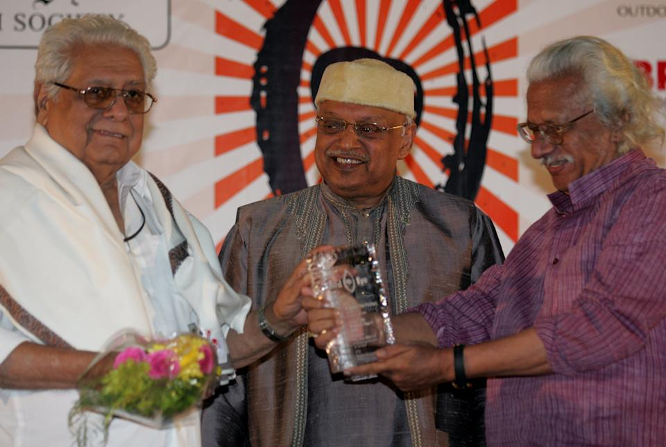 93-year-old veteran director-screenwriter, Basu Chatterjee, passed away on June 4 following age-related complications. The ace director is best known for his slice-of-life, urban, light-hearted films such as Rajnigandha (1974), Chhoti Si Baat (1975), Baton Baton Mein (1979) and the hit Doordarshan series, Byomkesh Bakshi. <br><em><strong>Image credit:</strong></em>  (Photo by Kunal Patil/Hindustan Times via Getty Images)