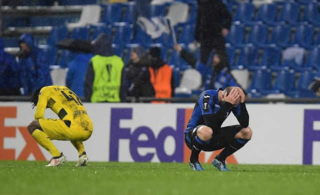 Soccer Football - Europa League Round of 32 Second Leg - Atalanta vs Borussia Dortmund - Stadio Atleti Azzurri, Bergamo, Italy - February 22, 2018 Atalanta's Andrea Masiello looks dejected after the match REUTERS/Alberto Lingria