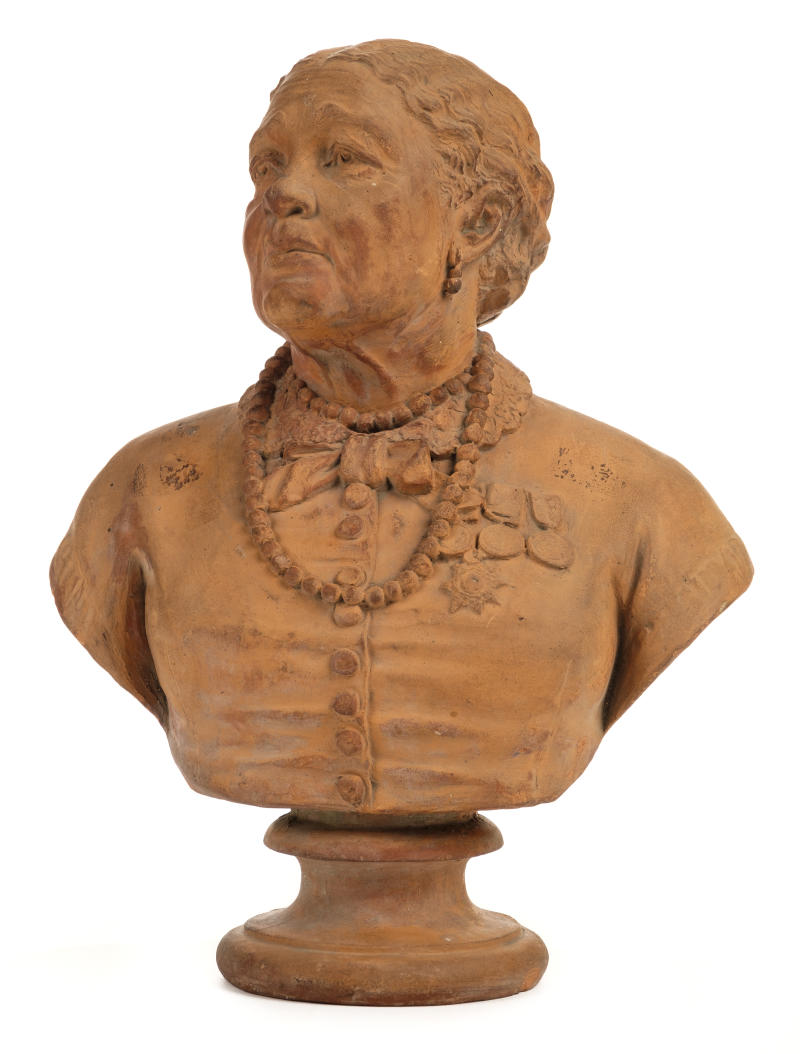 The terracotta bust of Mary Seacole could sell for up to £1,000 (Dominic Winter Auctioneers/PA).