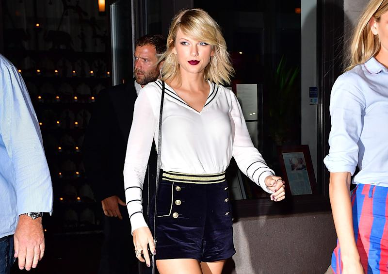 ce62eb12 Taylor Swift was channeling serious nautical vibes at Gigi Hadid's NYFW show