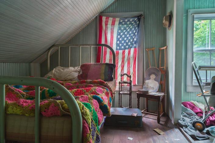 The bedroom of an abandoned house.