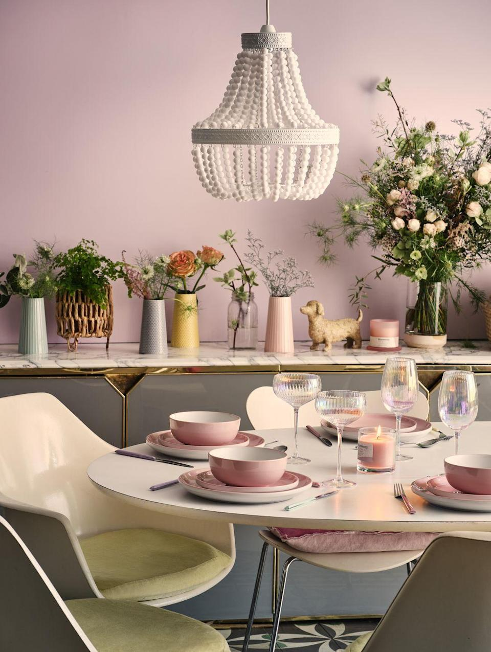 """<p>'A playful and thrifty trend, English Weekend uses vintage florals and pretty pastels with a Scandinavian nod,' say George Home. 'Rattans, coloured glass and chunky knits combine with positive slogans and boho finishes for a mix and match style.'</p><p><a class=""""link rapid-noclick-resp"""" href=""""https://direct.asda.com/george/home/D26,default,sc.html"""" rel=""""nofollow noopener"""" target=""""_blank"""" data-ylk=""""slk:SHOP NOW"""">SHOP NOW</a></p>"""