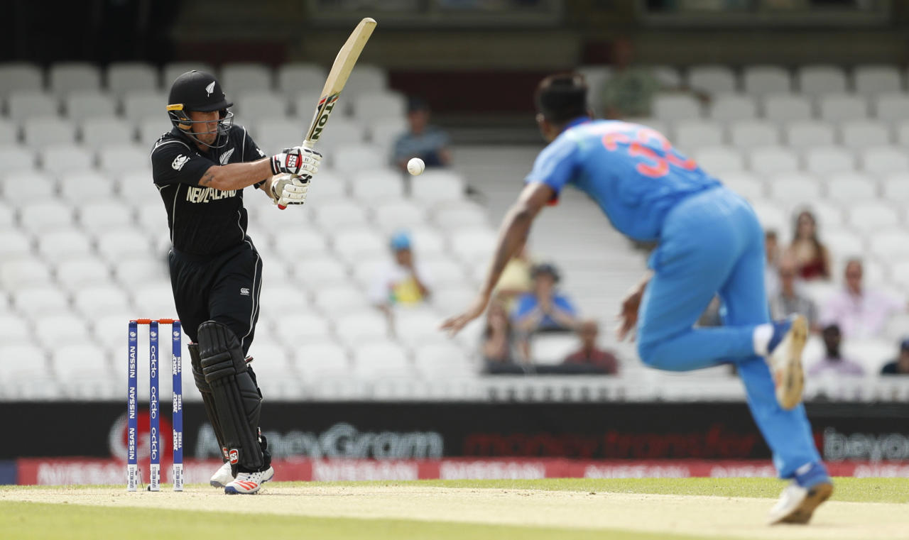 Britain Cricket - India v New Zealand - ICC Champions Trophy Warm Up Match - The Oval - 28/5/17 New Zealand's Luke Ronchi in action with India's Hardik Pandya Action Images via Reuters / John Sibley Livepic