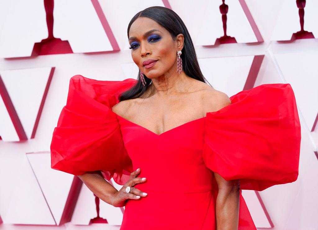 Angela Bassett is often seen opting for a bold make-up look and why the heck not? Pictured in April 2021. (Getty Images)