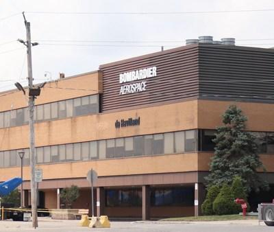 Exterior of Bombardier Aviation Downsview plant (CNW Group/Unifor)
