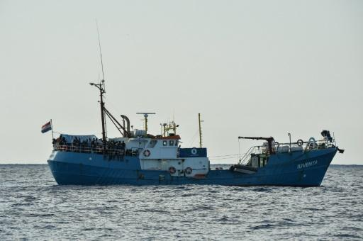 NGO says 100 missing in Med after migrant boat capsize