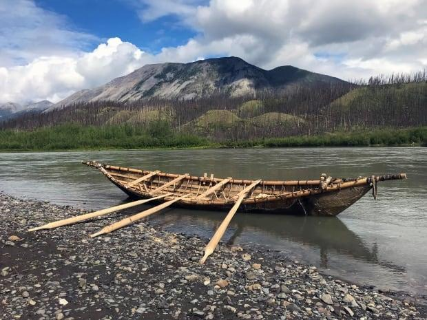 Indigenous elders, leaders and youth crafted the 40-foot boat from young spruce, willow sticks, moosehide and sinew by hand in 2018. (John Bingham/90th Parallel Productions - image credit)