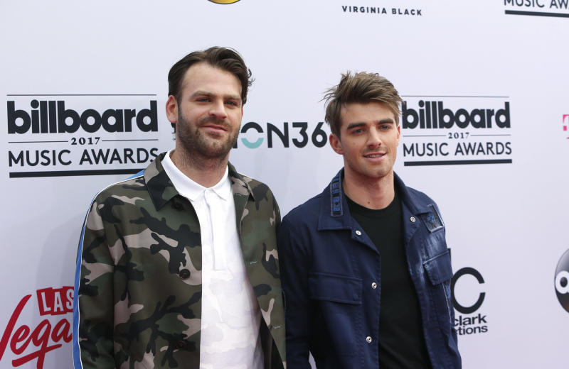 DJs Alex Pall (L) and Andrew Taggart of The Chainsmokers. (Steve Marcus / Reuters)