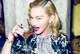 Madonna claims she drinks a cup of urine after taking ice bath