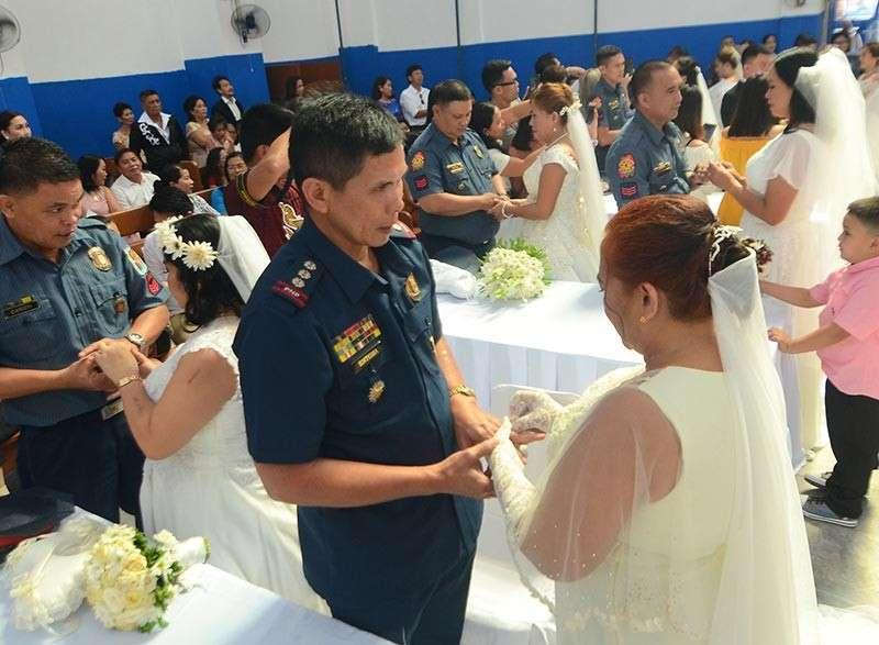 Lechon, free honeymoon for newly married policemen