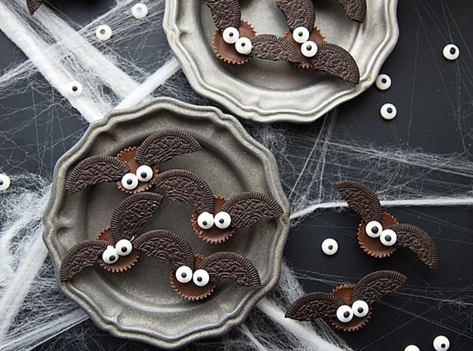 """<h2>1. Mini Chocolate Bat Bites</h2> <p>We're batty for these four-ingredient beauties.</p> <p><a class=""""cta-button-link"""" href=""""https://www.chelseasmessyapron.com/the-ultimate-bat-halloween-party/"""" target=""""_blank"""">Get the recipe</a></p>"""