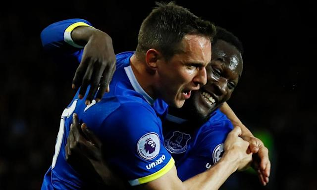 "<span class=""element-image__caption"">Phil Jagielka celebrates with Romelu Lukaku after putting Everton in front in the first half.</span> <span class=""element-image__credit"">Photograph: Jason Cairnduff/Reuters</span>"
