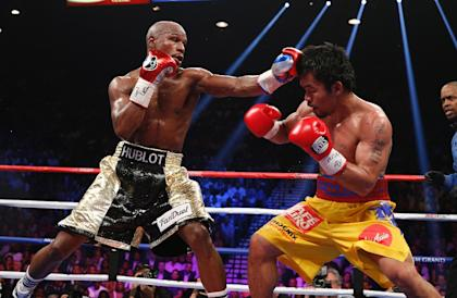 Was a waiter responsible for Mayweather vs Pacquiao? (AFP Photo)