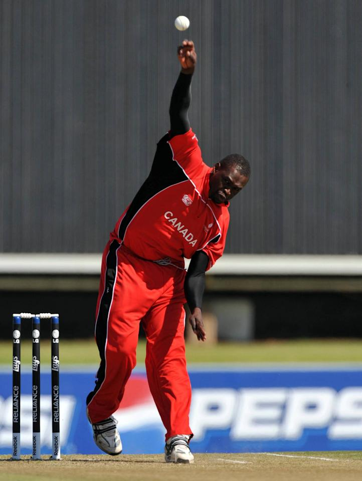CENTURION, SOUTH AFRICA - APRIL 19:  Henry Osinde of Canada bowls during the ICC Mens Cricket World Cup qualifiers final match between Ireland and Canada at SuperSport Park on April 19, 2009 in Centurion, South Africa.  (Photo by Duif du Toit/Gallo Images/Getty Images)