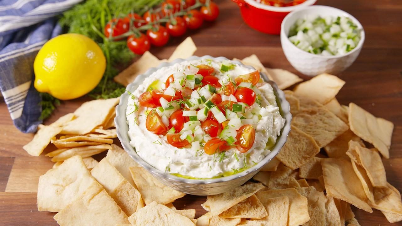"""<p>Getting from breakfast to lunch and lunch to dinner without noshing on<em> something </em>is hard. We get it. These easy snack ideas will get you through the day without running to the candy jar. Don't have time to make one of these recipes? Try our favorite <a rel=""""nofollow"""" href=""""http://www.delish.com/kitchen-tools/g4497/healthy-snacks-to-buy/"""">healthy store bought snacks</a>!</p>"""