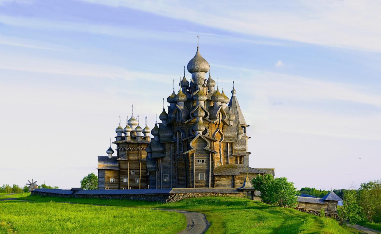 The Church of the Transfiguration, which was built in 1714, is located within an archipelago in the southwestern section of Lake Onega, in northern Russia. In 1990, the structure was added to the UNESCO World Heritage List.