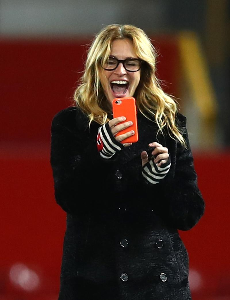 Julia Roberts and her three kids are soccer fans. (Photo: Clive Brunskill/Getty Images)