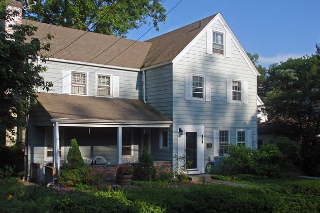 I recently bought this house in suburban New York City, enticed by low mortgage rates and prices about 20% lower than they were a few years ago. Policymakers at the Federal Reserve and elsewhere have been trying to convince more people to buy homes -- because the economy grows when you take all your money out of the bank and spend it. Here's how I'm personally stimulating the economy: