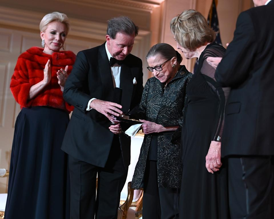(L-R) Julie Opperman, Chairman of the Dwight D. Opperman Foundation; John Studzinski, CBE, Award Chairman; Justice Ruth Bader Ginsburg; and Agnes Gund at the Justice Ruth Bader Ginsburg Woman of Leadership Award ceremony at The Library of Congress on February 14, 2020 in Washington, DC. (Shannon Finney/Getty Images)