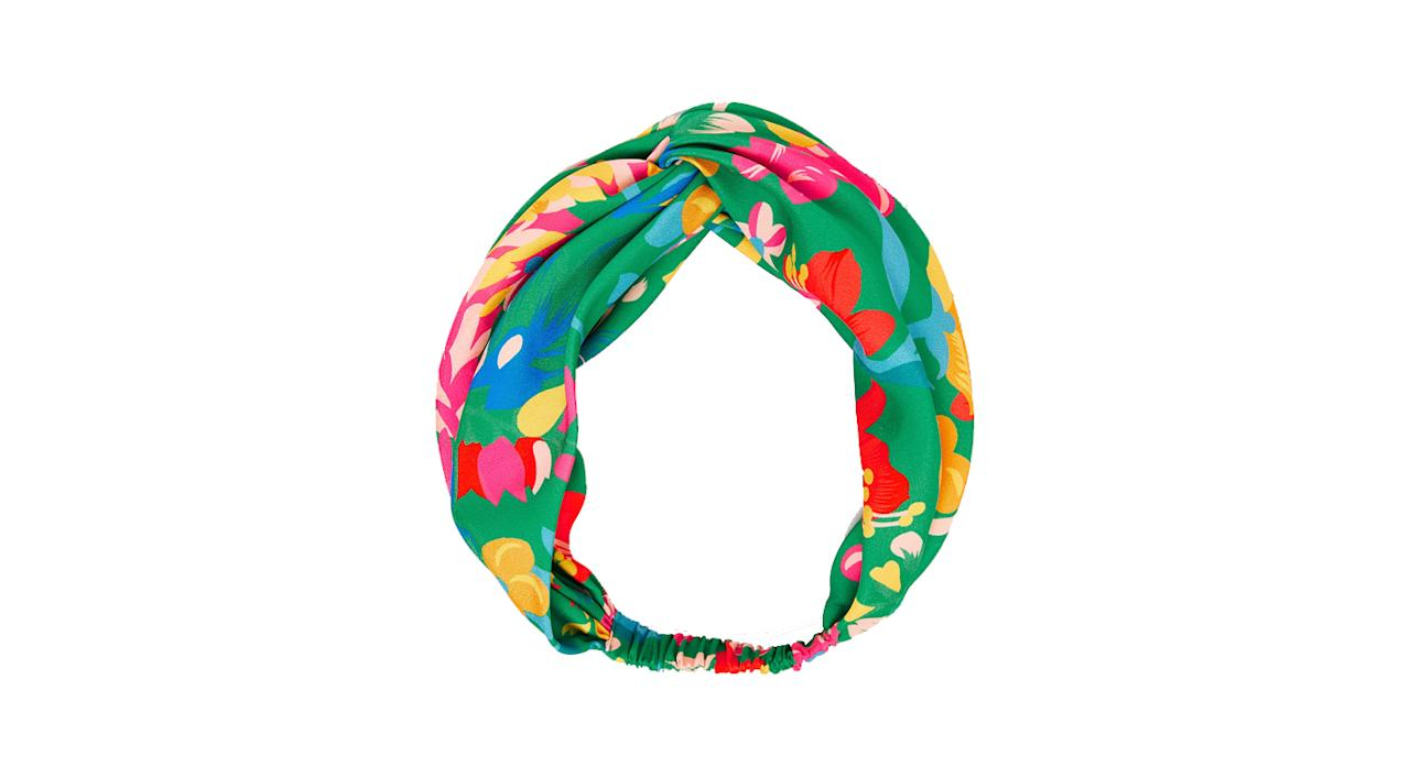 """<p>Get that hair out of your face in a stylish way by donning a chic head band. <br /><a rel=""""nofollow"""" href=""""https://www.zara.com/uk/en/tropical-flower-turban-style-headband-p00594034.html?v1=6452166&v2=1074616"""">Buy here.</a> </p>"""