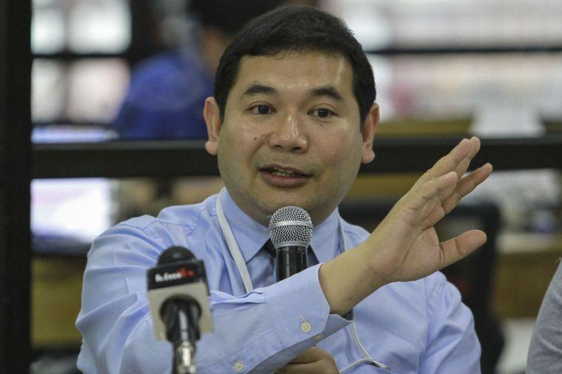 High Court overturns Rafizi's conviction of insulting Umno