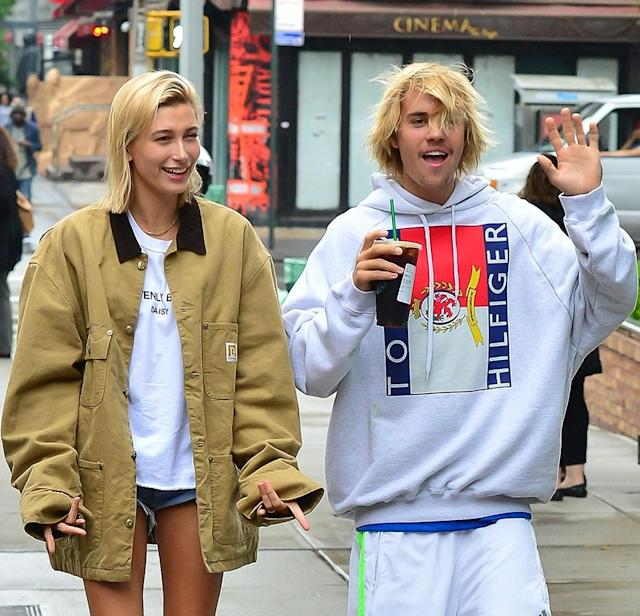 Hailey Baldwin and Justin Bieber on the streets of New York City. (Photo: Backgrid)