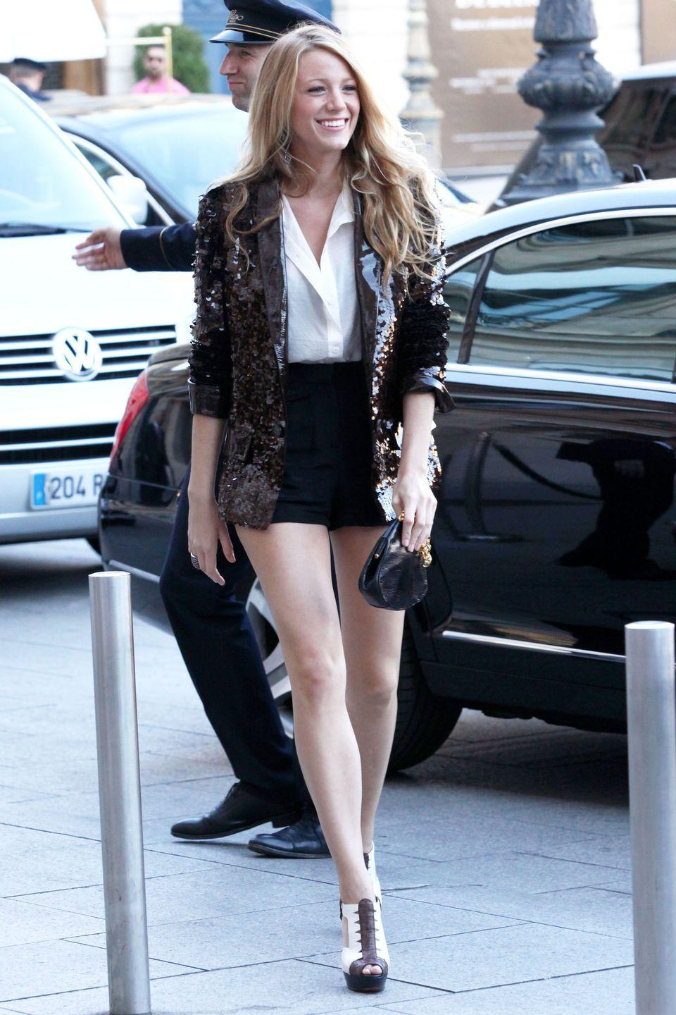 <p><del>Blake Lively</del> Serena van der Woodsen was a fan of the shorts and heels for evening combo, so we were fans of the shorts and heels for evening combo. </p>