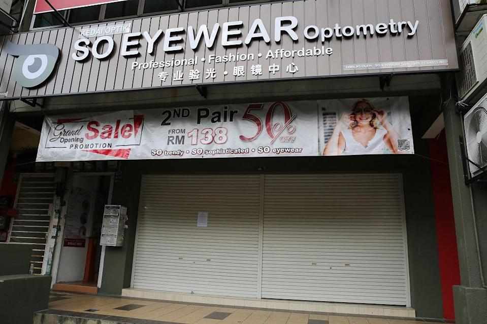 An optometrist in Puchong remains closed during the movement control order, January 15, 2021. ― Picture by Yusof Mat Isa