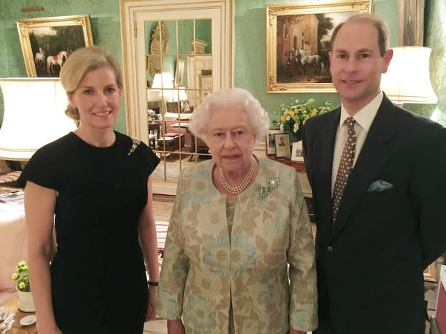 Queen hosts reception for Edward and Sophie