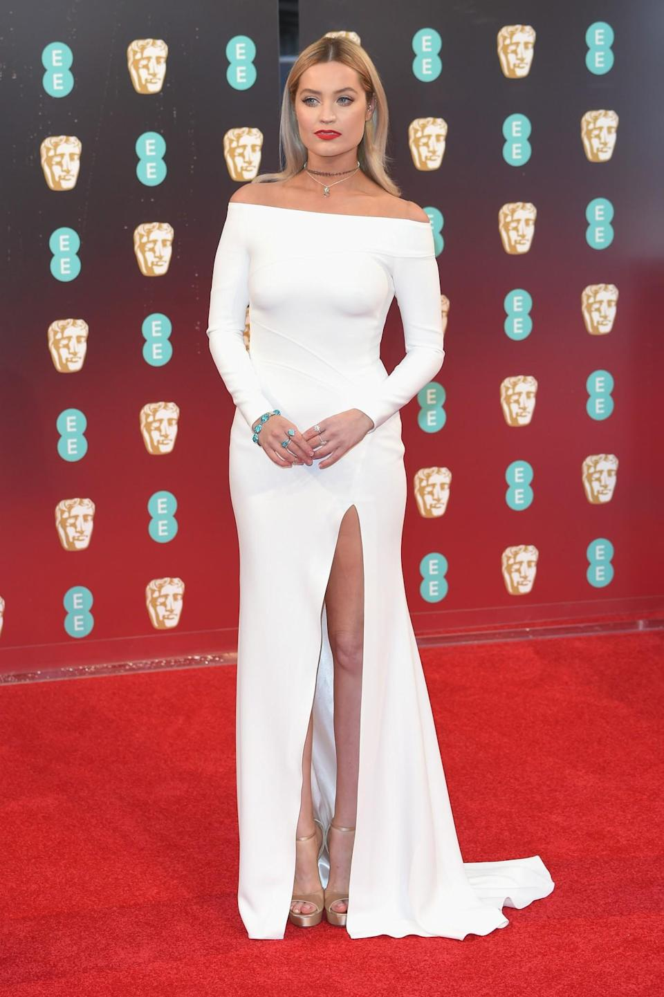 <p>The presenter stunned in an off-the-shoulder white gown. <i>[Photo: Getty]</i> </p>