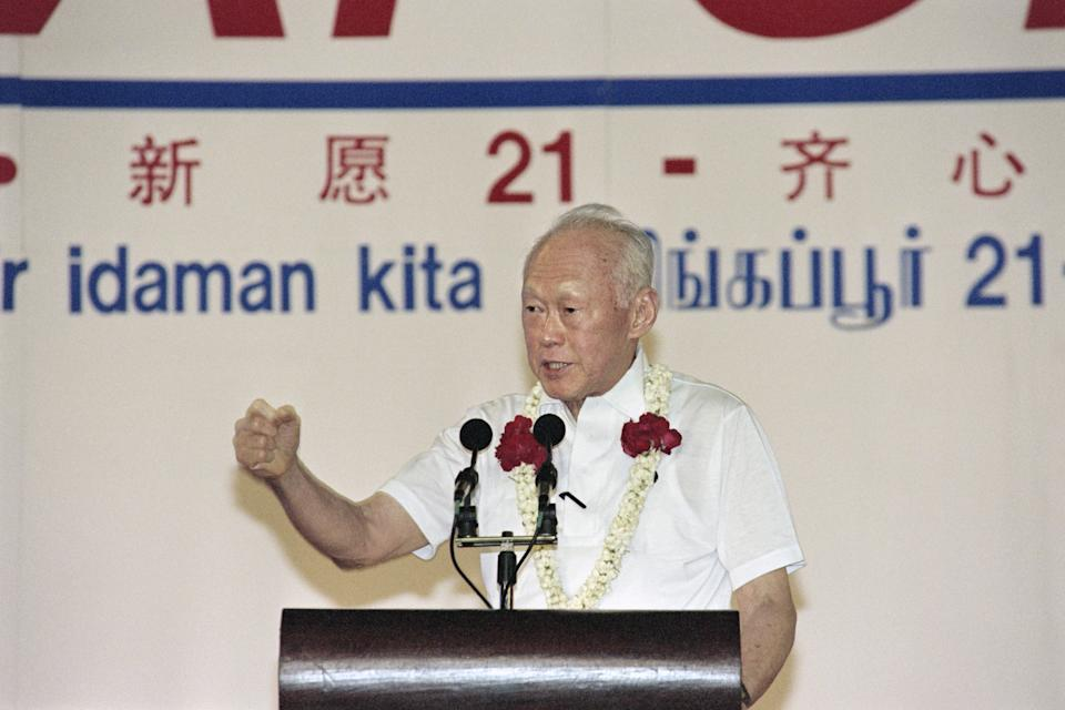 Singapore Senior minister Lee Kuan Yew addresses on December 30, 1996 the public at the People's Action Party rally in Hougang stadium. Singapore's durable patriarch Lee has won another five-year termas an MP without a fight, guaranteeing him a continuedrole in Singapore.   AFP PHOTO ROSLAN RAHMAN        (Photo credit should read ROSLAN RAHMAN/AFP via Getty Images)