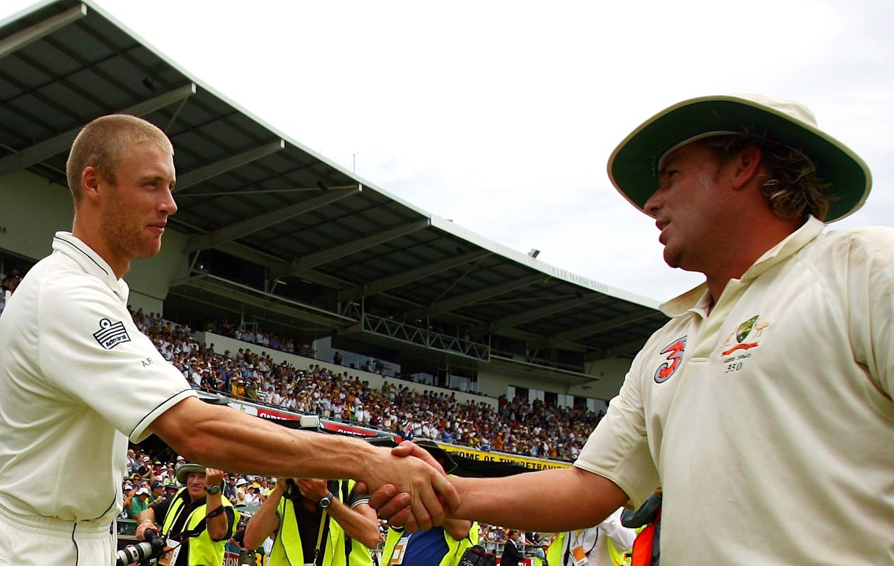PERTH, AUSTRALIA - DECEMBER 18:  (L-R) Andrew Flintoff of England shakes hands with Shane Warne of Australia at the end of play on day five of the third Ashes Test Match between Australia and England at the WACA on December 18, 2006 in Perth, Australia.  (Photo by Tom Shaw/Getty Images)