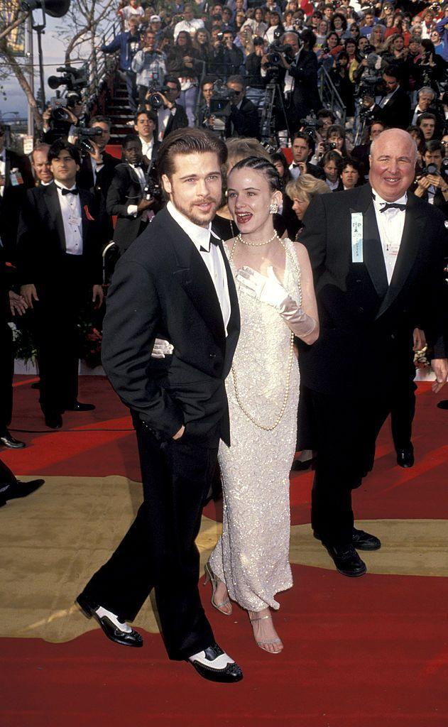 <p>A year after bursting on to screens in Thelma & Louise, Pitt attended the glitzy ceremony with girlfriend at the time Juliette Lewis.</p>