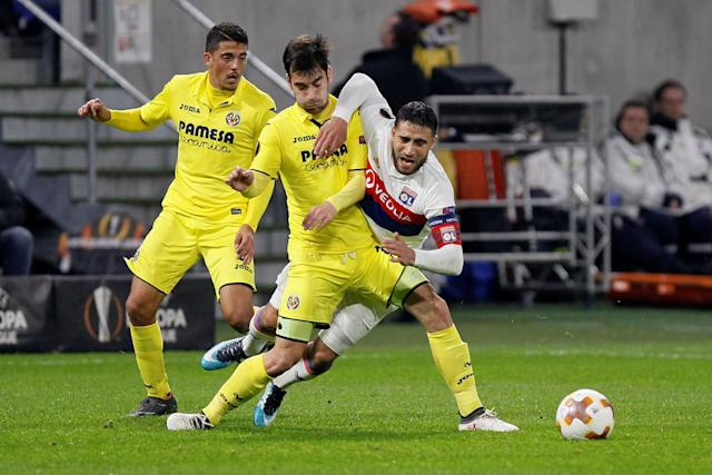 Soccer Football - Europa League Round of 32 First Leg - Olympique Lyonnais vs Villarreal - Groupama Stadium, Lyon, France - February 15, 2018 Lyon's Nabil Fekir in action with Villarreal's Manu Trigueros REUTERS/Emmanuel Foudrot