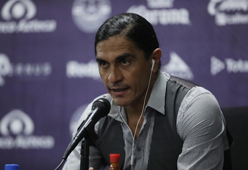 MAZATLAN, MEXICO - SEPTEMBER 18: Francisco Palencia Coach of Mazatlan speaks during a press conference after the 11th round match between Mazatlan FC and Cruz Azul as part of the Torneo Guard1anes 2020 Liga MX at Kraken Stadium on September 18, 2020 in Mazatlan, Mexico. (Photo by Sergio Mejia/Getty Images)
