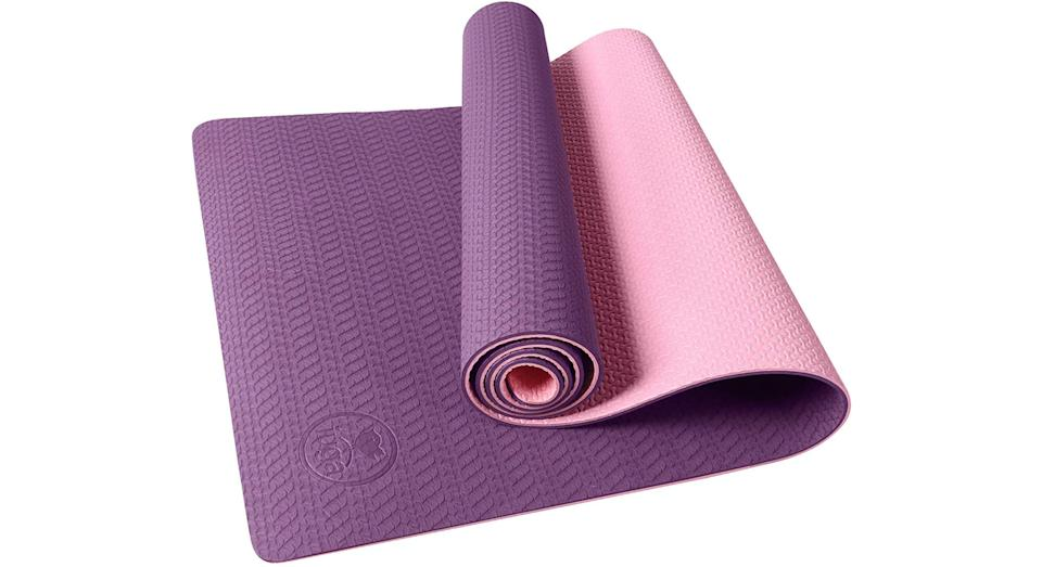 IUGA Non Slip Yoga Mat with Carry Strap