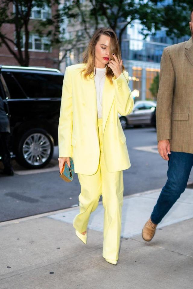NEW YORK, NEW YORK - OCTOBER 06: Margot Robbie is seen in Tribeca on October 06, 2019 in New York City. (Photo by Gotham/GC Images)