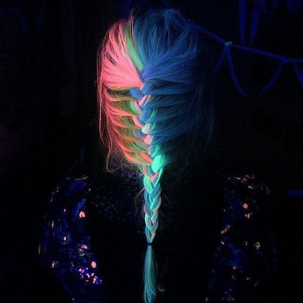 """<p>Not to mention the glow. Manic Panic colors like <a href=""""https://www.manicpanic.com/high-voltage-cream-formula-hair-color"""" rel=""""nofollow noopener"""" target=""""_blank"""" data-ylk=""""slk:""""Electric Banana"""""""" class=""""link rapid-noclick-resp"""">""""Electric Banana""""</a> or <a href=""""https://www.manicpanic.com/high-voltage-cream-formula-hair-color"""" rel=""""nofollow noopener"""" target=""""_blank"""" data-ylk=""""slk:""""Siren's Song"""""""" class=""""link rapid-noclick-resp"""">""""Siren's Song""""</a> are some of their dyes that illuminate under black light. <i>(Photo: <a href=""""https://www.instagram.com/rainbowmegz/"""" rel=""""nofollow noopener"""" target=""""_blank"""" data-ylk=""""slk:RainbowMegz"""" class=""""link rapid-noclick-resp"""">RainbowMegz</a>)</i></p>"""