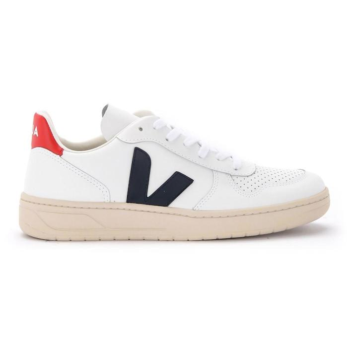 """<p><strong>VEJA</strong></p><p>nordstrom.com</p><p><strong>$150.00</strong></p><p><a href=""""https://go.redirectingat.com?id=74968X1596630&url=https%3A%2F%2Fwww.nordstrom.com%2Fs%2Fveja-v-10-sneaker-unisex%2F5081553&sref=https%3A%2F%2Fwww.prevention.com%2Flife%2Fg27760489%2Fbest-last-minute-fathers-day-gifts%2F"""" rel=""""nofollow noopener"""" target=""""_blank"""" data-ylk=""""slk:Shop Now"""" class=""""link rapid-noclick-resp"""">Shop Now</a></p><p>Take advantage of Nordstrom's super-quick shipping (or even in-store pickup) with these too-cool Vejas. The sustainable kicks are low-key enough to wear anywhere and are guaranteed to bump Dad's style up a notch this Father's Day.</p>"""