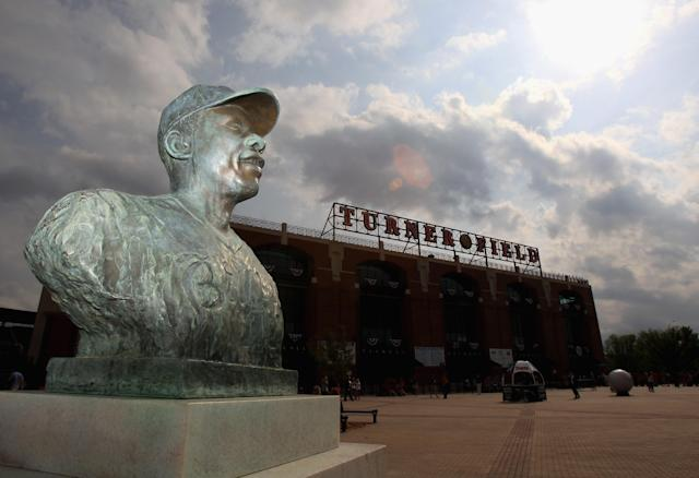 ATLANTA, GA - APRIL 08: A statue of Hank Aaron sits outside of the stadium ahead of the Philadephia Phillies versus Atlanta Braves during their opening day game at Turner Field on April 8, 2011 in Atlanta, Georgia. (Photo by Streeter Lecka/Getty Images)