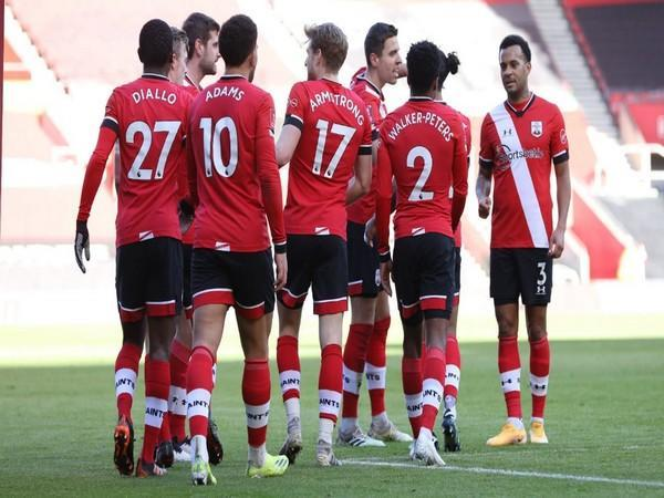Southampton FC in action against Arsenal (Photo/ Southampton FC Twitter)