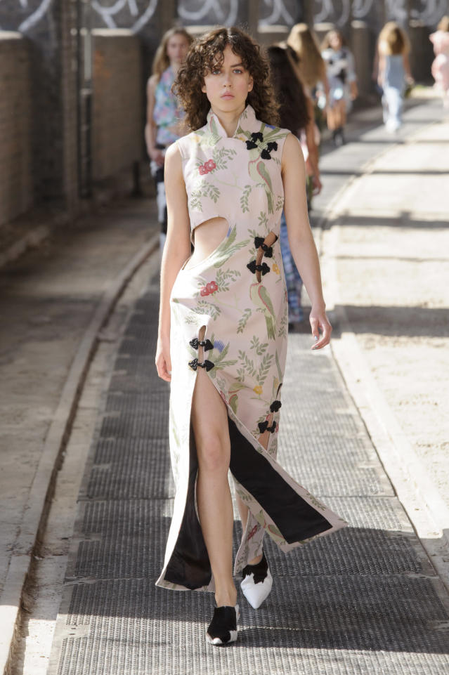<p><i>Floral print cut-out dress from the SS18 Marques'Almeida collection. (Photo: IMAXtree) </i></p>